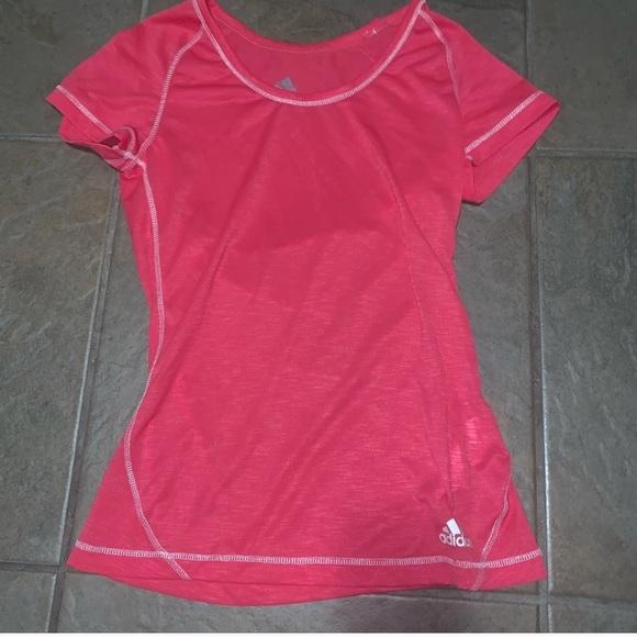 adidas Tops - Adidas pink workout t-shirt